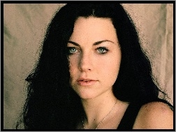 Amy Lee, błękitne oczy