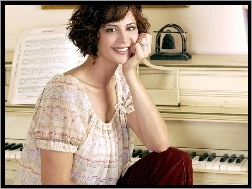 Catherine Bell, pianino