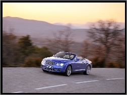 Bentley Continental GTC, Droga