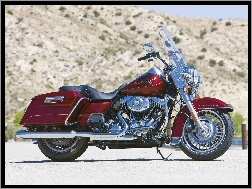 Bordowy, Harley Davidson Road King
