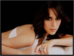 buzia, Jennifer Love Hewitt