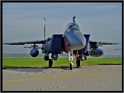 F-15E Strike Eagle, Lotnisko