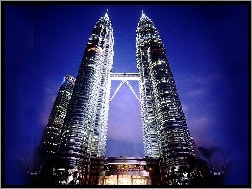 Petronas, Towers
