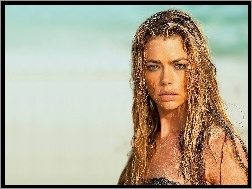 Denise Richards, piasek