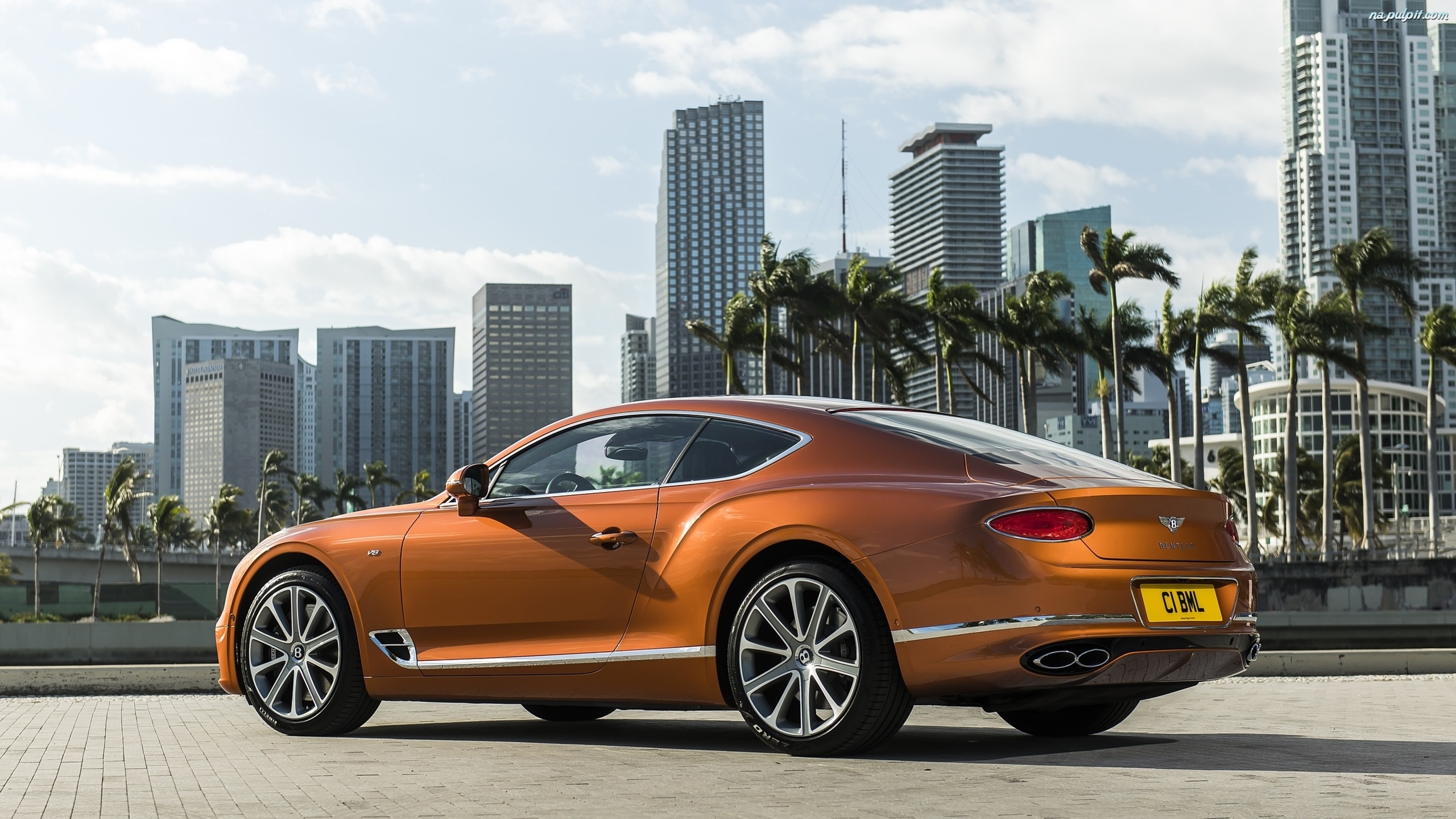 Bentley Continental GT V8 Coupe, Bok